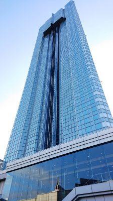 ホテル外観(近景) アパホテル&リゾート〈東京ベイ幕張〉