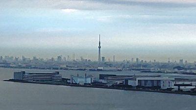 遠目にスカイツリー|アパホテル&リゾート〈東京ベイ幕張〉
